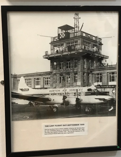 Croydon Airport: The very last airline flight out - September 1959.