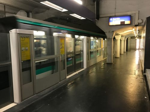 paris: A new Metro Line where the trains have rubber tyres!