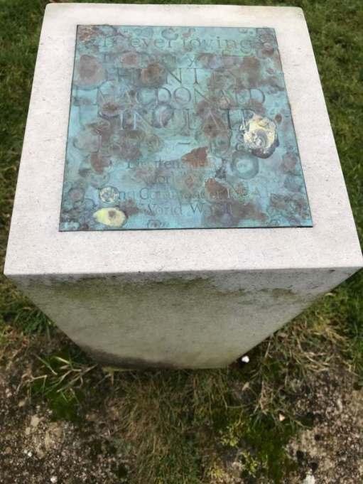 Cotswold Reverie: In Loving Memory of Huntley Macdonald Sinclair 1899-1989.