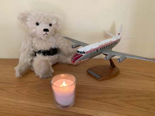 Lighting a Candle for Diddley: The Vickers Viscount. First airliner that Bobby flew in.