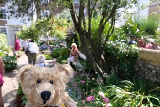 Bertie in the final garden having found Merrill.