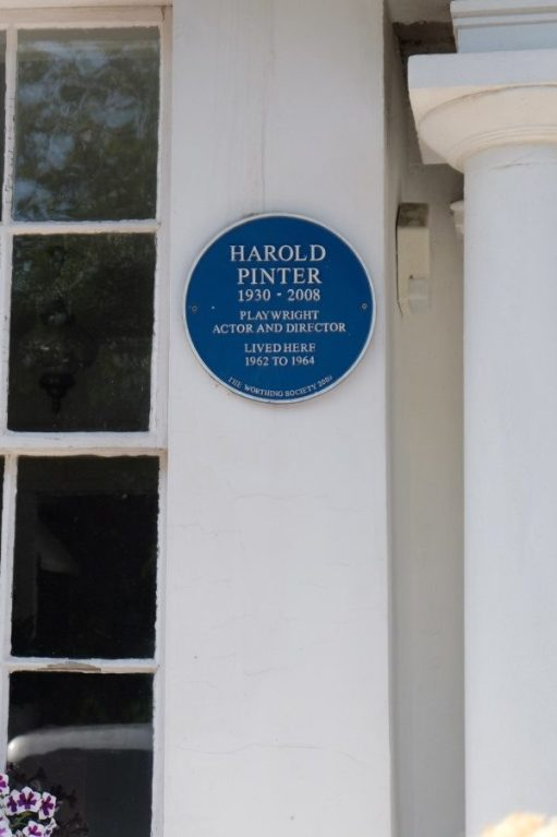 Blue Plaque reads: Harold Pinter, 1930-2008, Playright, Actor and Director, lived here 1962-1964.