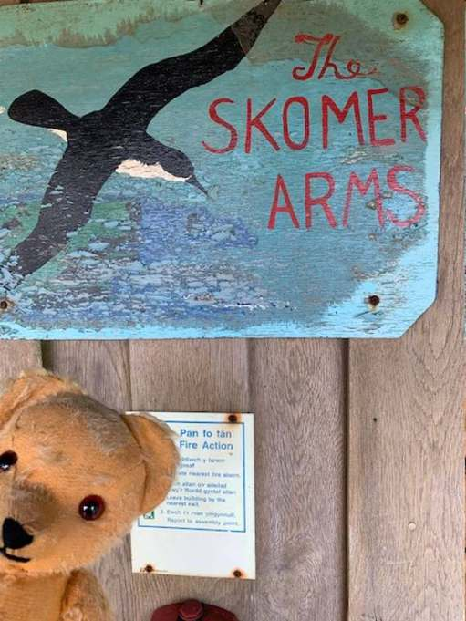 """The Skomer Arms"": The sign to the Volunteers' Kitchen hasn't changed since the days before the rebuild of all the Volunteers' accommodation."