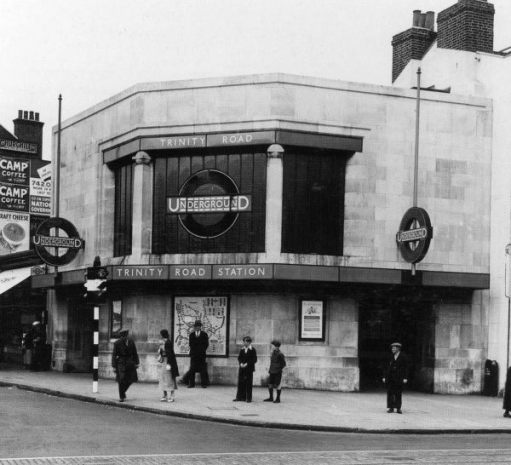 Tooting Bec Station as built as Trinity Road Station.