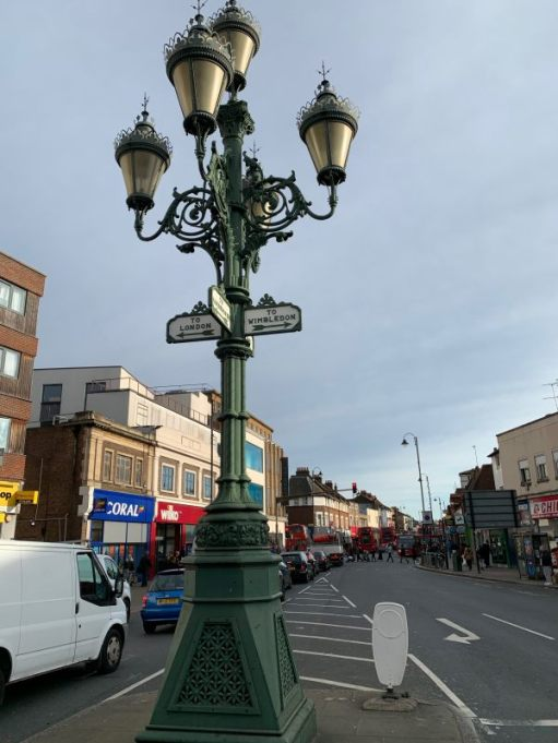 Wonderful signpost light at Tooting Broadway.