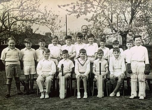 Black and White photograph of Cheam Park Farm Juniors Cricket Team 1955.