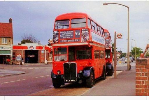 RT 1572 (KLB660) on service 93 in North Cheam around 1959.