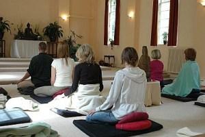 Mindfulness, gaia house, meditation, retreat