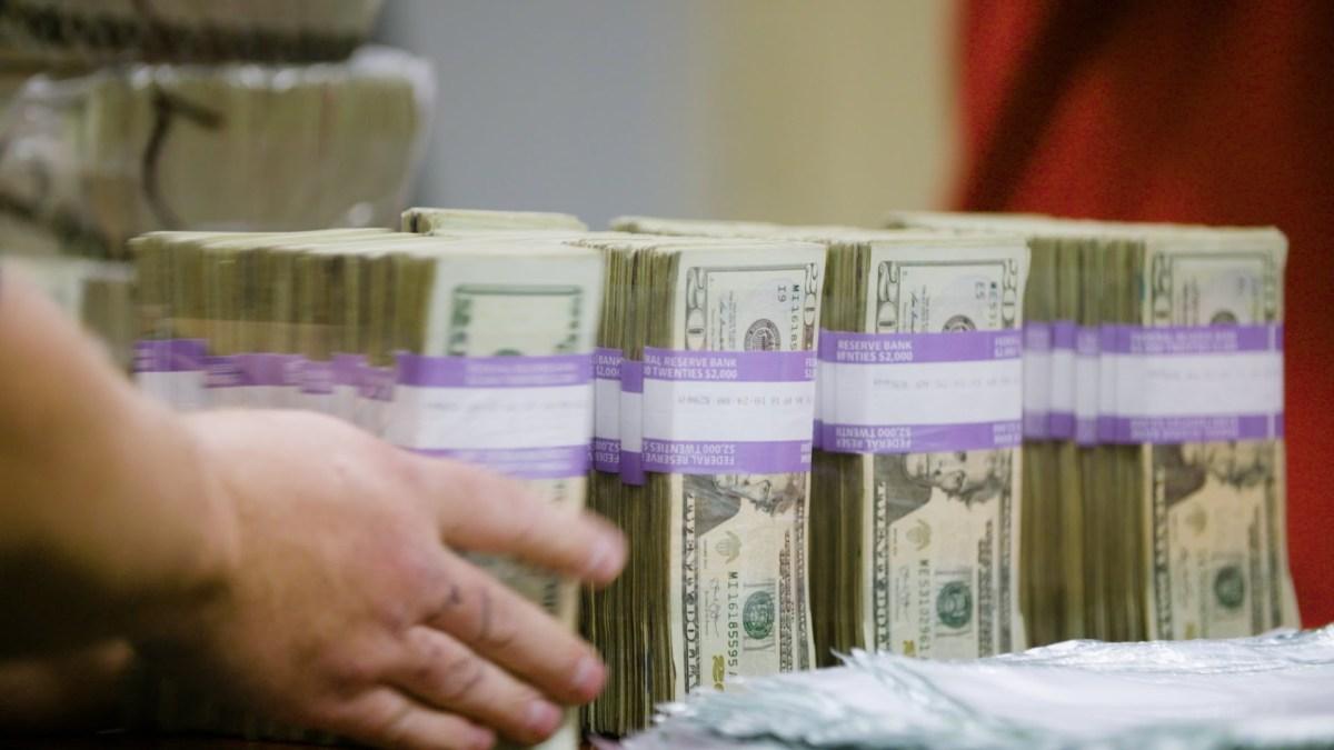 Wie mit Geld endlich mal etwas Sinnvolles produziert wird – Nämlich Erde!