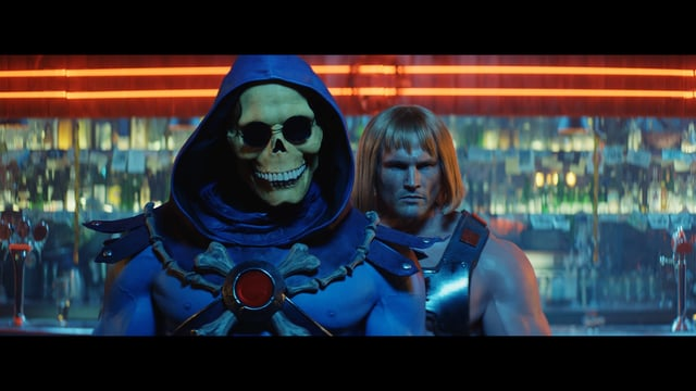 "He-Man und Skeletor tanzen wie in ""Dirty Dancing"" in einer Bar"