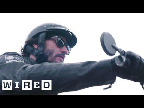 In seiner Freizeit baut Keanu Reeves Motorräder
