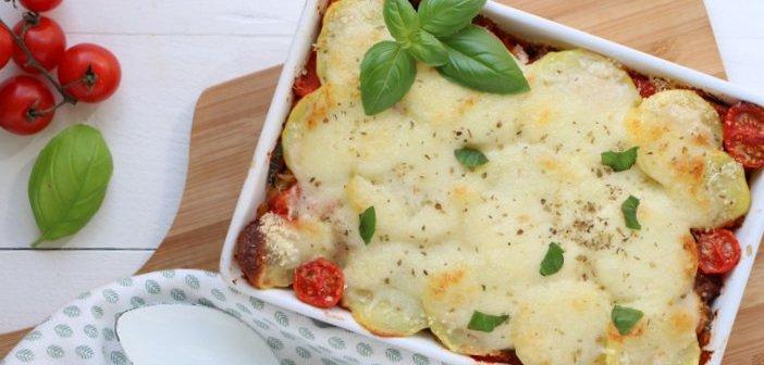 aardappellasagne met worst en mozzarella