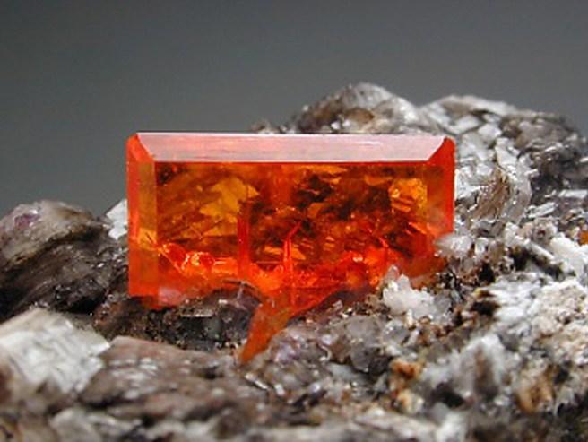 mineral Vulfenit