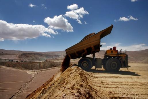 Collahuasi bajará su producción de cobre ante baja en el precio