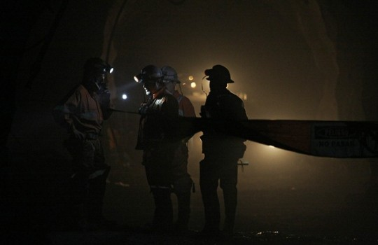 Egresados de minería diseñan estrategias para encontrar empleo ante contracción del área