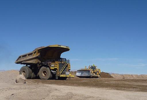 Colapso de dique en Brasil revive debate sobre almacenamiento de desechos mineros