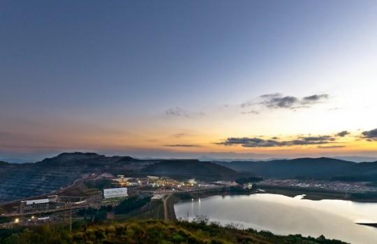 Brasil se compromete a que BHP y Vale paguen por desastre minero