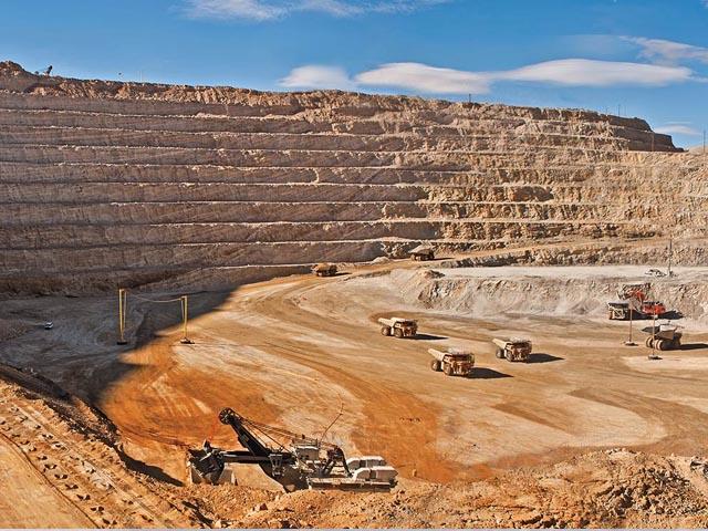 Barrick Gold recortaría al menos US$2.000 millones en deuda