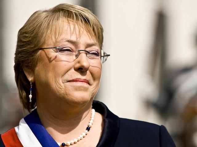 Presidenta Bachelet instó al desarrollo de una economía de la mano del cobre