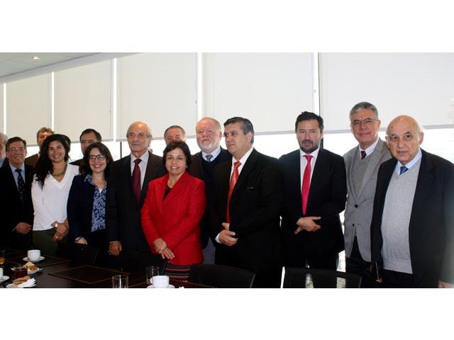 Oficializan contenidos de Curso Homologado de Inducción Básica en Faenas Mineras
