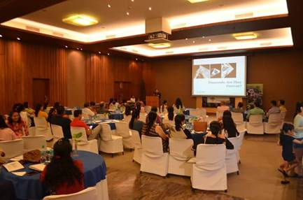 GIA India Shares Knowledge on Diamonds with Shree Radhey Diamond's Consumers in Anand