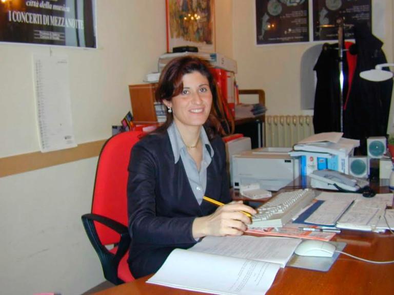 """CAIVANO. Forza Italia ha le mani sulla città. La nuova Segretaria è la """"Lady D"""" dell'inchiesta """"Desianko"""" - Minformo"""