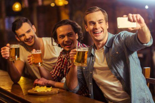 Men in pub