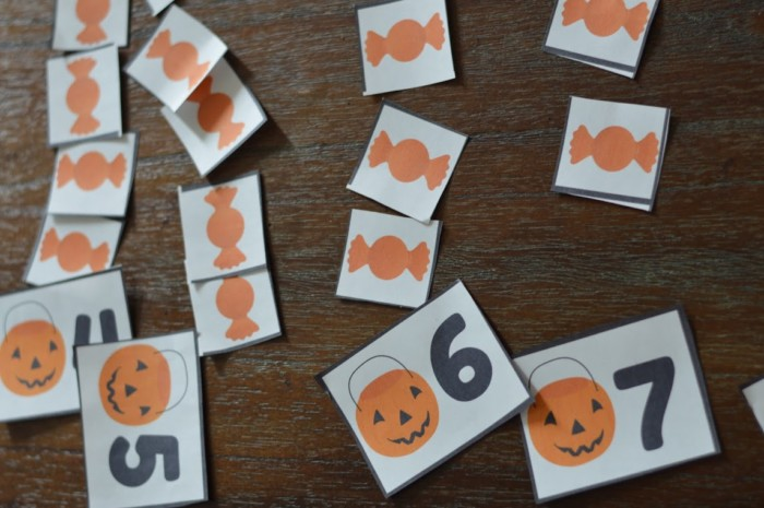 Halloween Pumpkin Candy Treat Bag Counting Preschool Activity