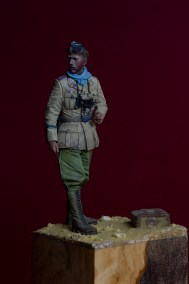 DAK Panzer Officer – Alpine Miniatures
