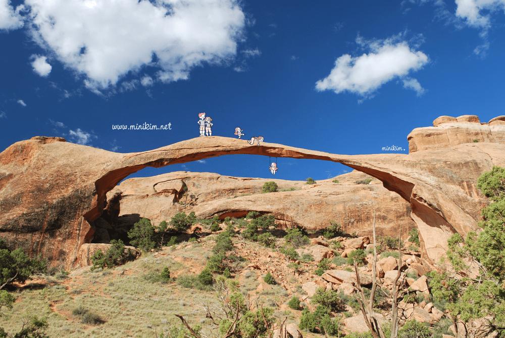 MiniKim, Arches National Park, Road trip, États unis, en famille, voyage, landscape arch, devil's garden, Moab, Utah, visiter, planifier, itinéraire, voyage en famille, voyage avec enfants, enfant, enfants, famille