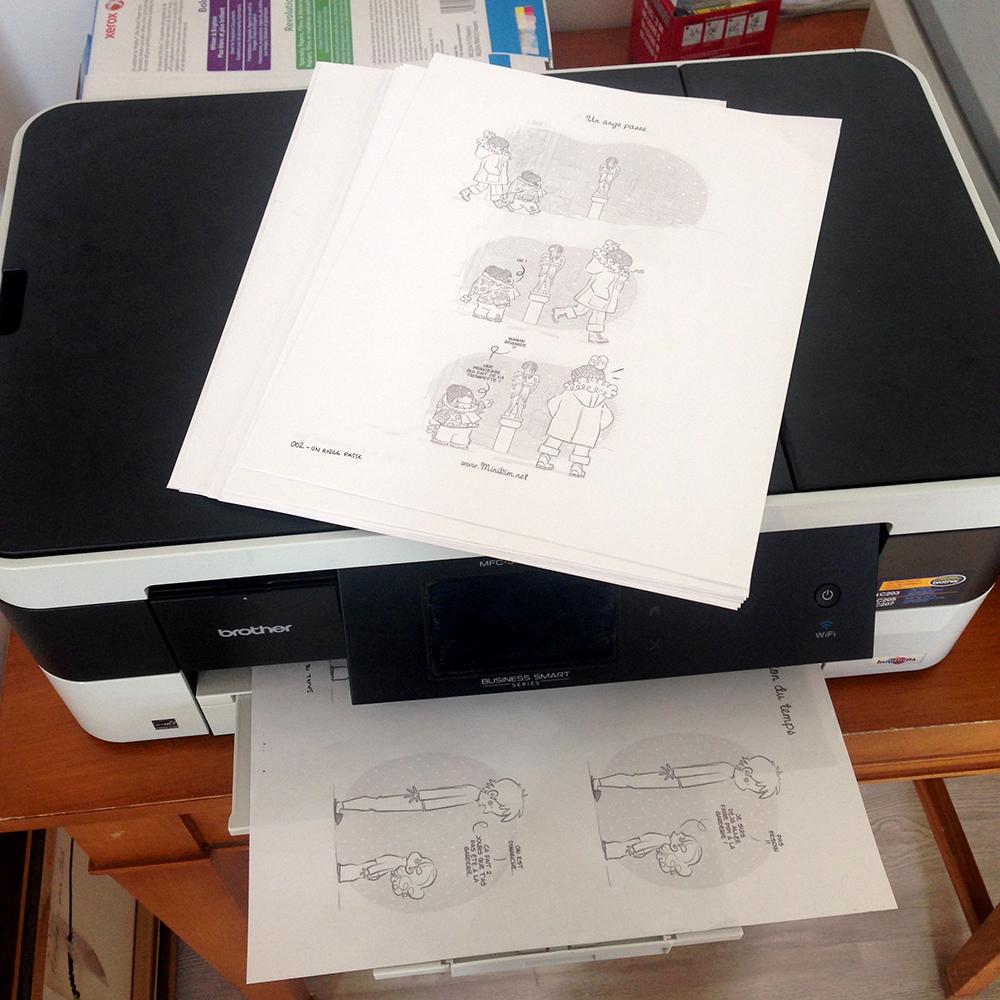 Minikim dessine du bonheur, Minikim, bande dessinée, impression, imprimer une BD, impression BD, imprimerie BD, Mes BD, mignon, À l'atelier, atelier d'artiste, artiste, dessin