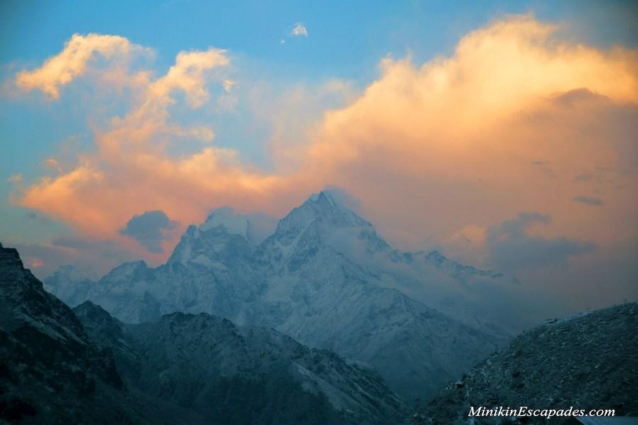 Sunset views over thame in EVerest region