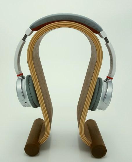 TDK WR680 auf Holz