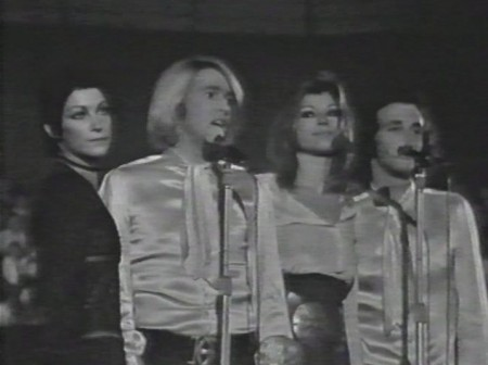 I_Ricchi_e_Poveri_durante_un'esibizione_al_Palasport_di_Torino_(ottobre_1970)