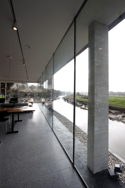 The grand designs sliding glass doors for Thickness of glass wall for exterior