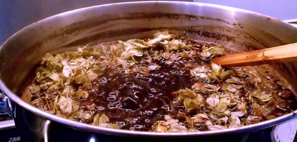 Rolling boil for the Black Ale