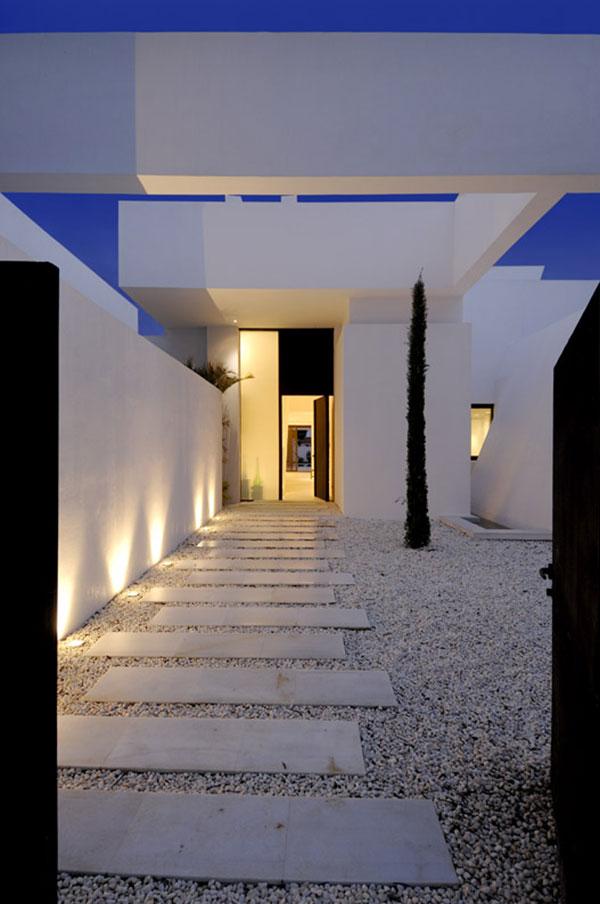 modern minimalist house entrance