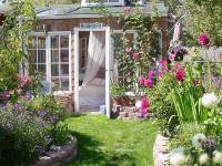 25 Garden house ideas - the perfect addition to the backyard