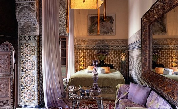 moroccan bedroom gold purple Amazing Moroccan bedroom ideas – bold colors and ornate