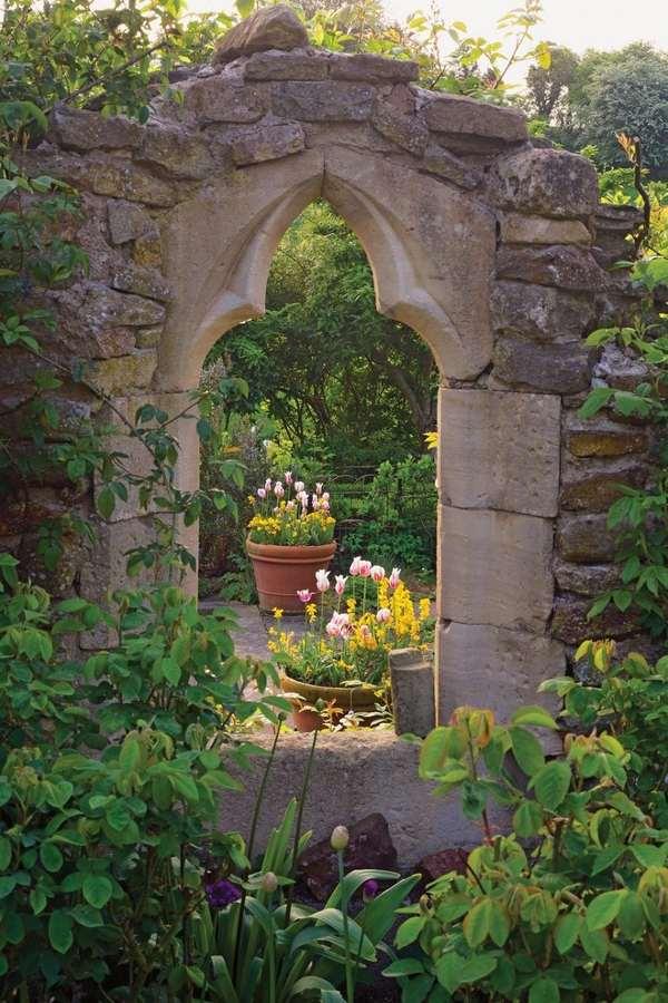 Walled Garden Design Ideas – How To Create Your Own Secret Garden?