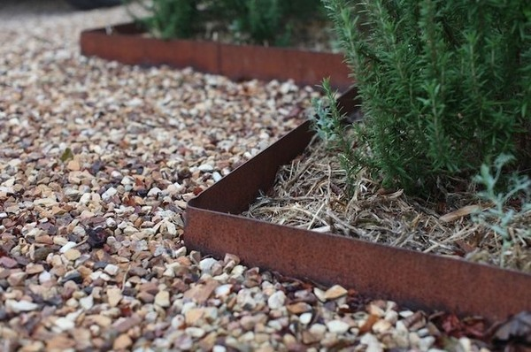 Garden Edging Ideas – Most Popular Materials For The Garden Design