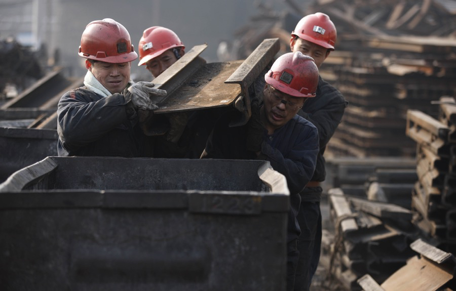 China steps up efforts to cut coal capacity