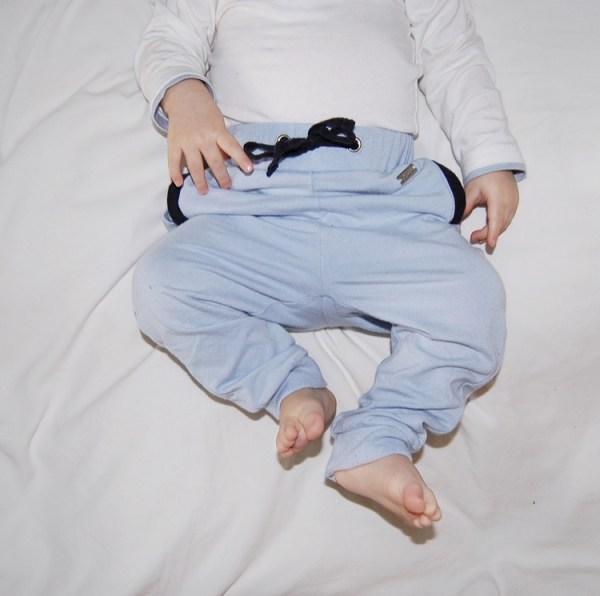 Lyseblå bukse - modell