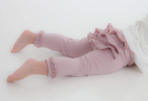 Leggings med frynserumpe bak liggende