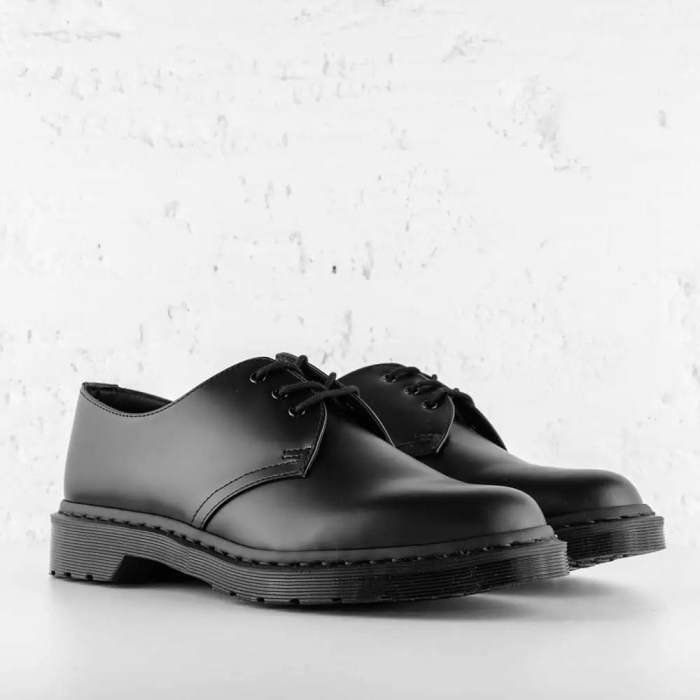 DR. MARTENS 1461 MONO SMOOTH LEATHER BLACK 6