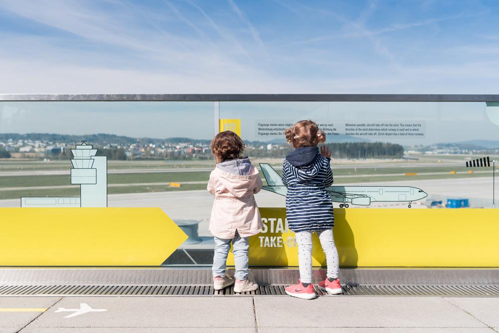 Ausflugstipps für Familien im Raum Zürich. Hier: Zuschauerterrasse Flughafen Zürich