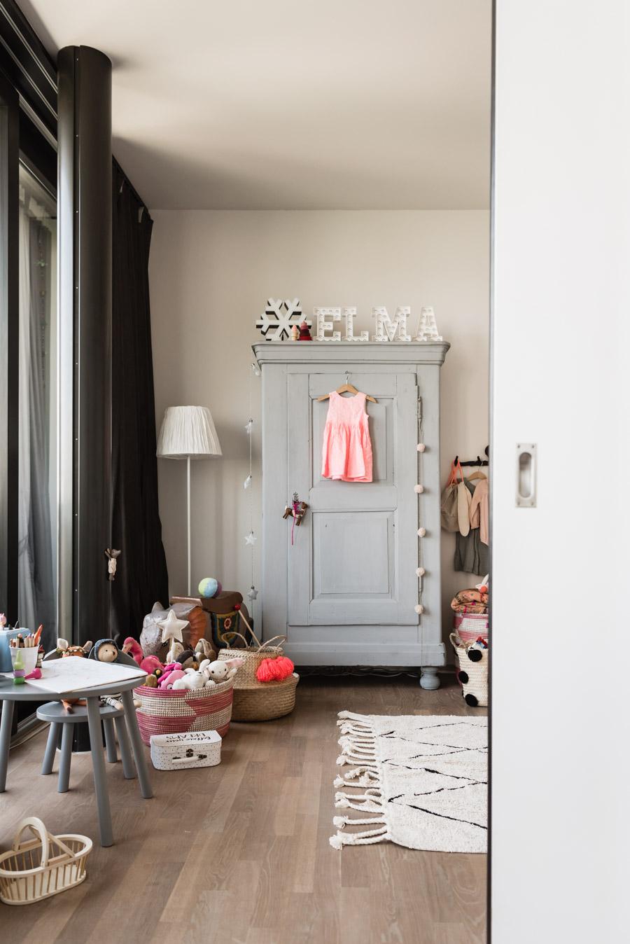 Kinderzimmer einrichten: So zaubert ihr einen eklektischen Look ins Kinderzimmer #kinderzimmer #kinderzimmerdeko #kinderzimmerinsp #kidsroom #girlsroom #nursery