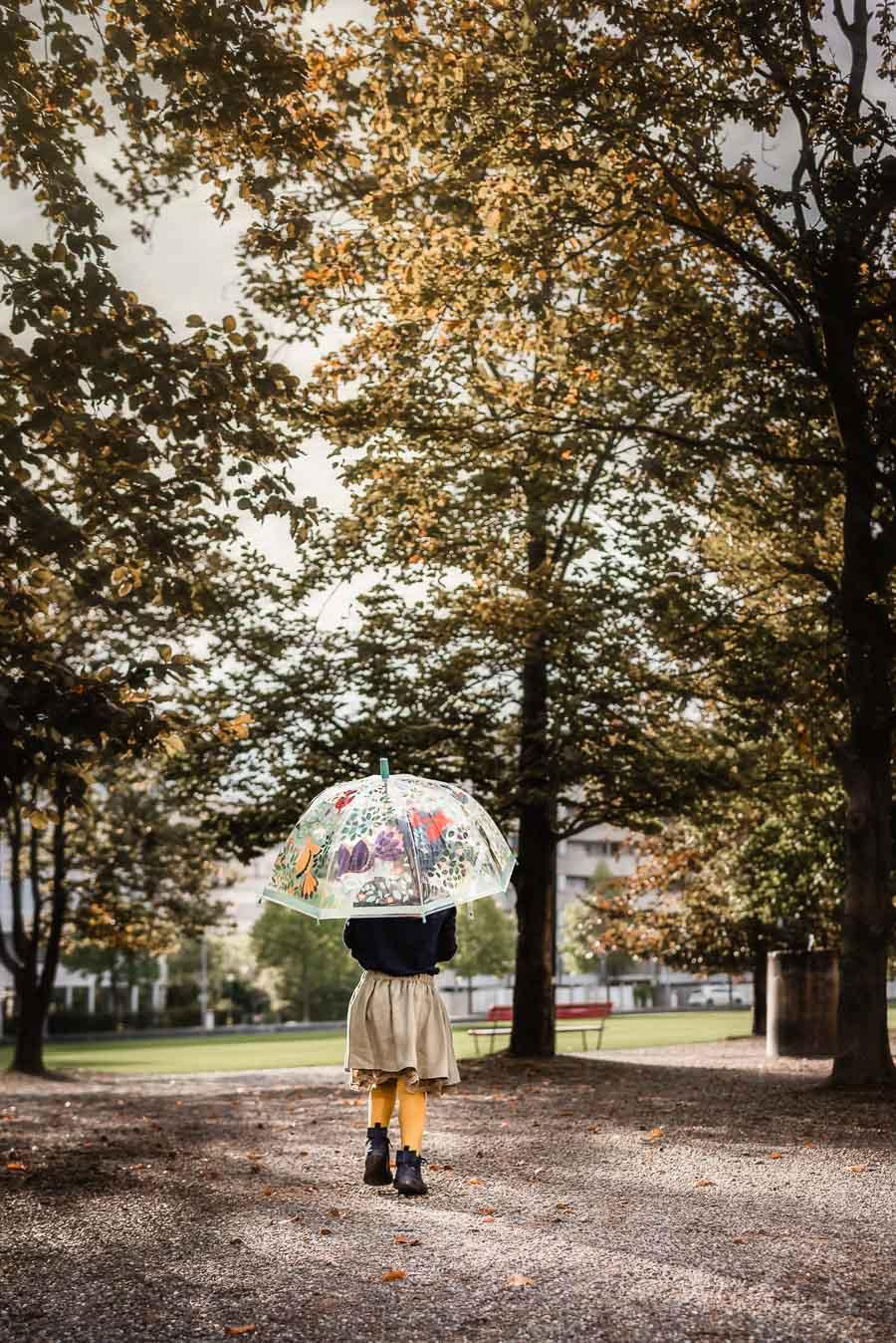 Minimalistische Herbstkleider und Accessoires für Babys und Kinder: Eine Auswahl von Stadtlandkind #kindermode #babymode #herbstmode #herbst