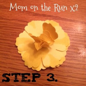 easy 3d paper flowers step 3