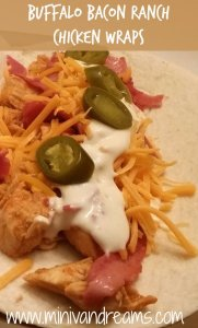 Bacon Ranch Chicken Wraps via Mini Van Dreams #recipes #easyrecipes #chicken